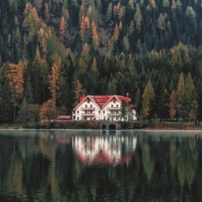 湖畔风景,教你调出ins风景色调